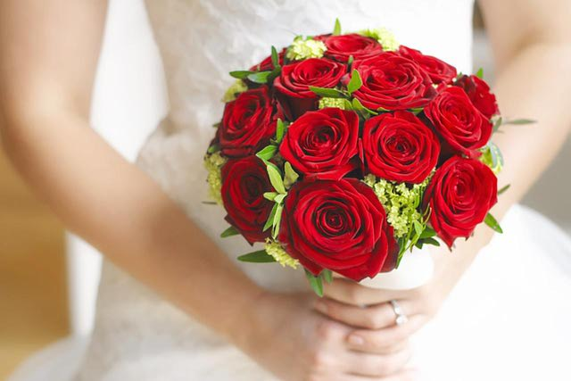 Know Some Interesting Facts About Versatile Wedding Flower : Rose