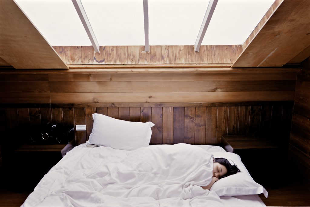Attic Bedroom Interiors To Give You A More Relaxing Sleep